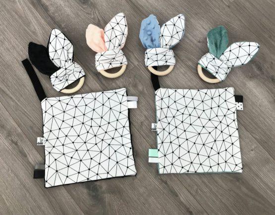 Abstract konijnenoren bijtring met knisperfolie