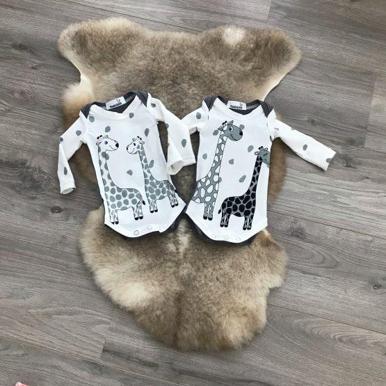 Romper giraffen grijze achterzijde dubbel