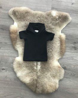 zwarte-hoodie-korte-mouw