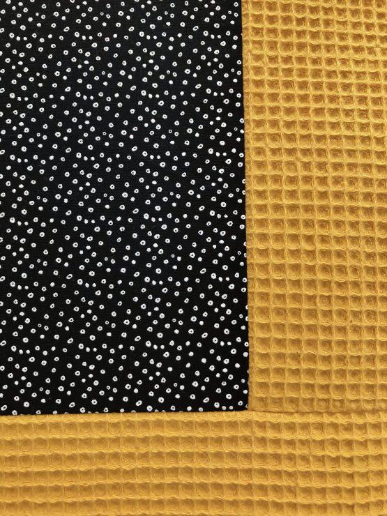 Okergeel-met-zwart-boxkleed