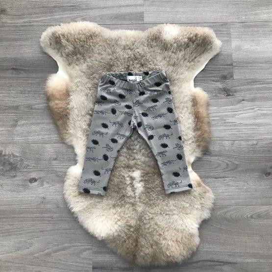 broek-panter-met-veren-grijs