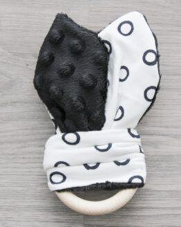 Konijnenorenbijtring-zwart-rondje
