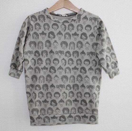 poppetjes-sweaterjurk-hangend
